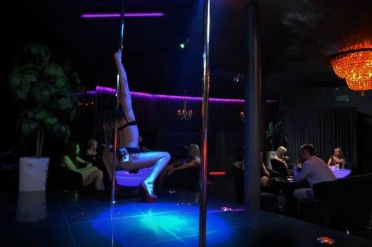 Ночной клуб для одиноких клуб удар в москве